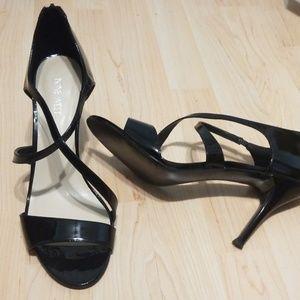 Nine West black Paten leather heels